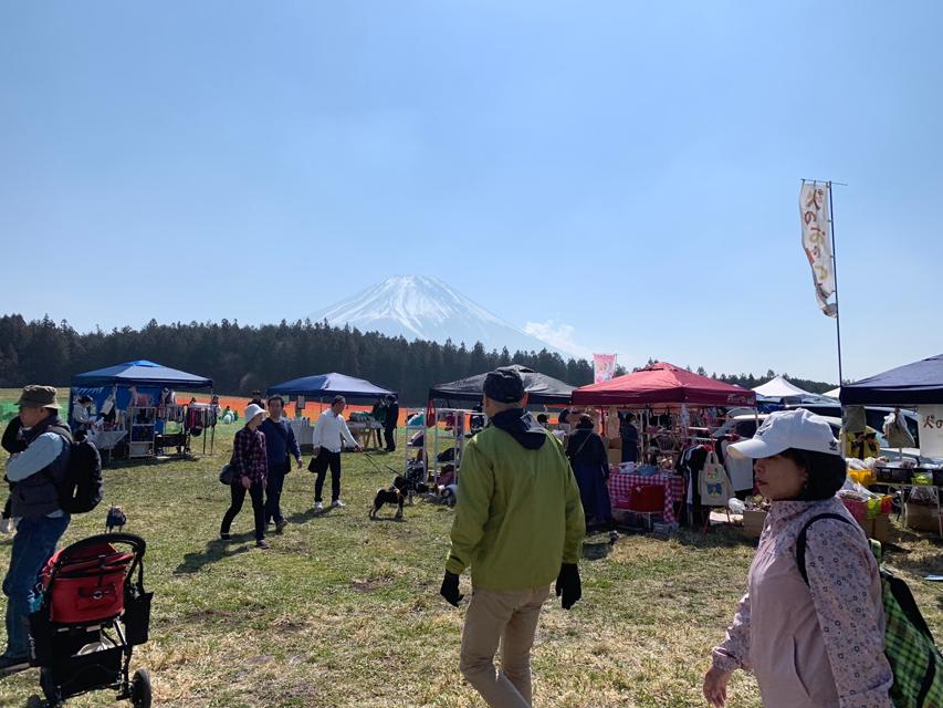 富士山わんわんマルシェ 初日風景